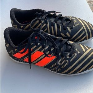 Adidas Messi soccer shoes in size 1.5